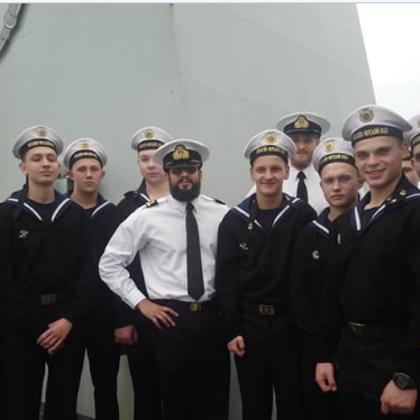 """Ліцеїсти на кораблі ВМС Великобританії типу """"ECHO"""""""